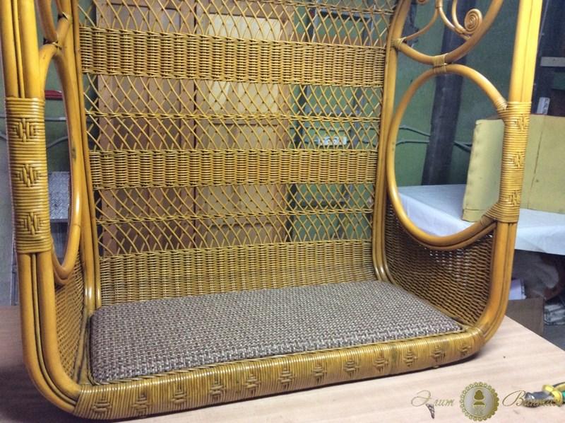 Перетяжка и обивка мебели Ротангом